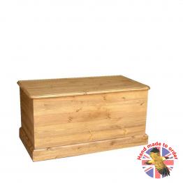 Cottage Pine Storage Box