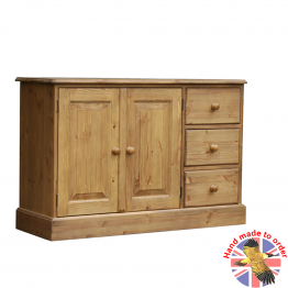 Woodpecker Cottage Low Cupboard with 3 End Drws