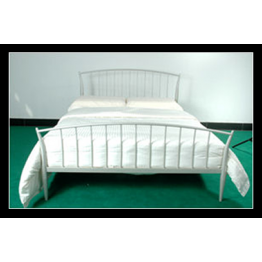 "4ft 6"" Lilly metal bed in Silver Finish"